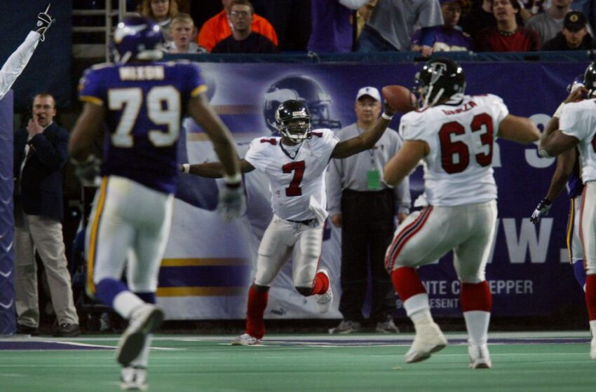 Rewinder: Michael Vick made two Vikings defenders escape into every diversified