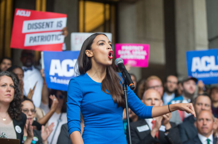 """AOC Demands """"Reparations"""" for Families Separated at the Border Under Trump Administration"""