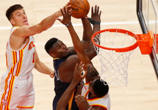 Hawks swallow Pelicans behind record third quarter, win fourth straight
