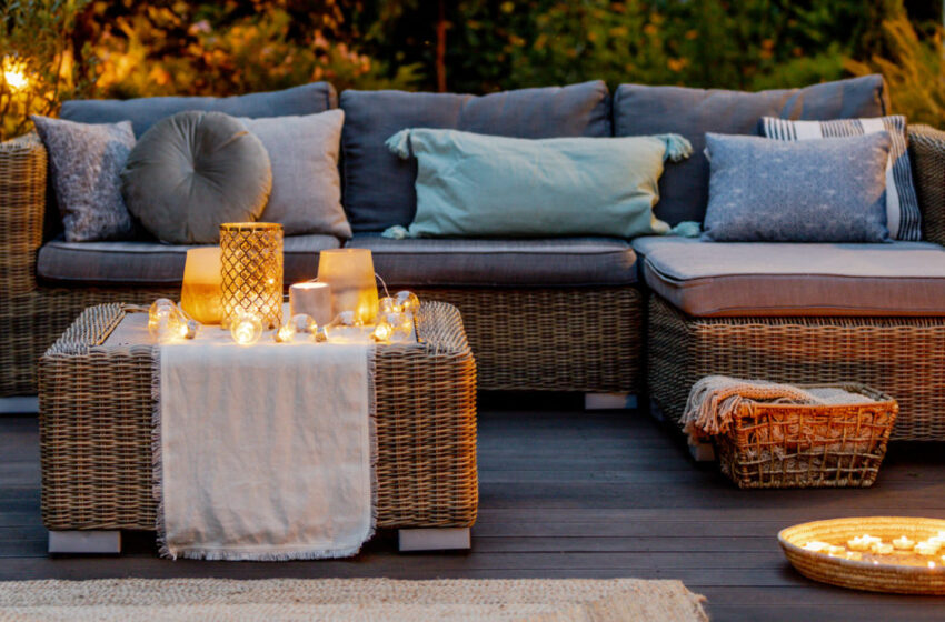 8 Ways to Decorate Your Backyard for Much less