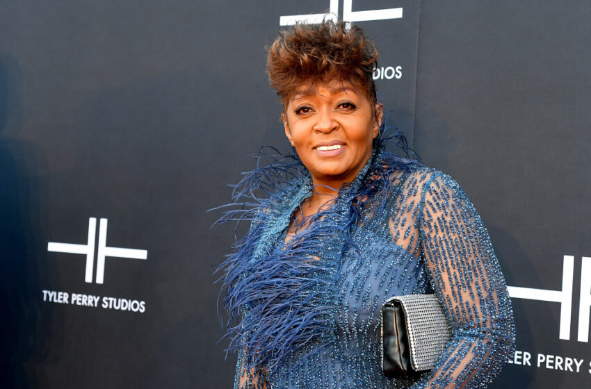 """Anita Baker Says She's """"Retired From The Plantation"""" After Efficiently Obtaining HerMasters"""