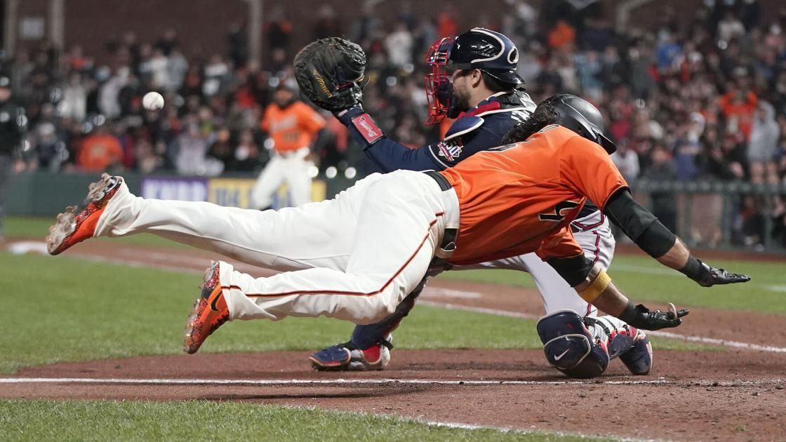 Pinch-hitter pitcher Gausman sac cruise in 11th, SF tops Braves